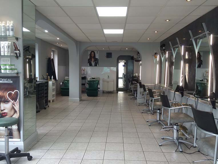 Storm hair salon wimbledon london for 228 salon wimbledon